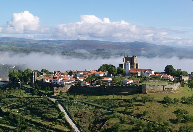Visit medieval cities with your Portuguese native tutor